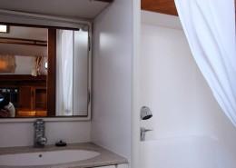 dufour-45-classic-pasja-kabina-prysznicowa