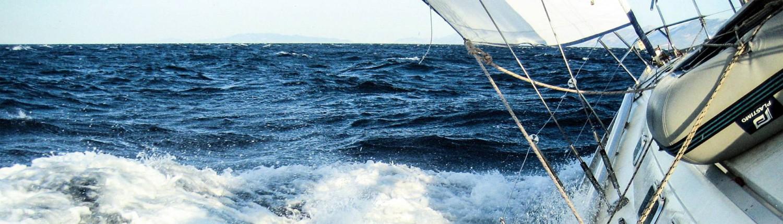 jacht-morski-duzy-przechyl-zagle-chorwacja