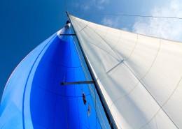 genaker-grot-niebieski-niebo